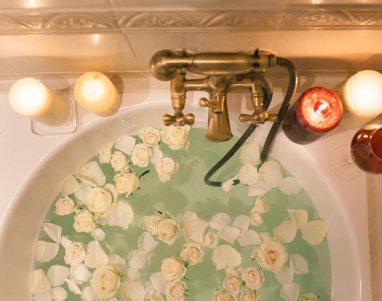 乙女心は永遠!バスルームを可愛く演出するバスチェア