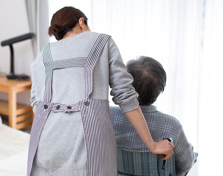 高齢者には介護用バスチェアを選ぶべき?
